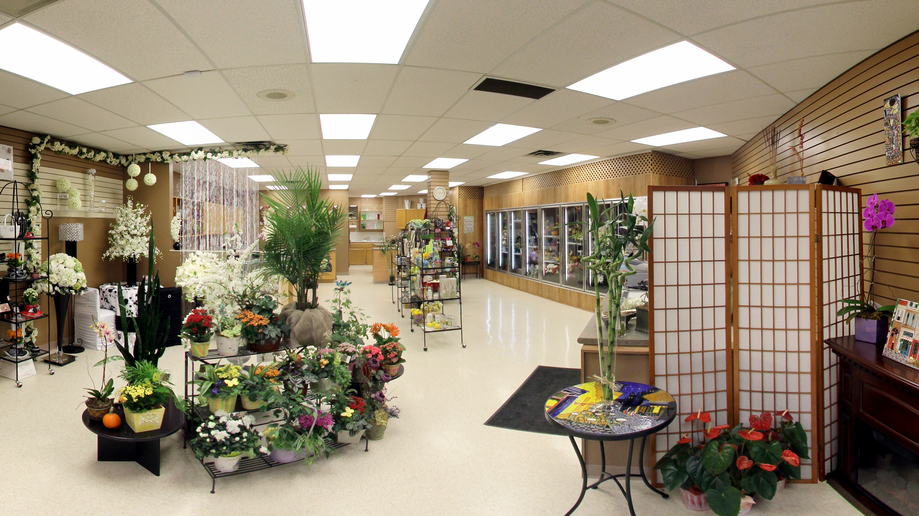 Anns Flowers store interior.tif